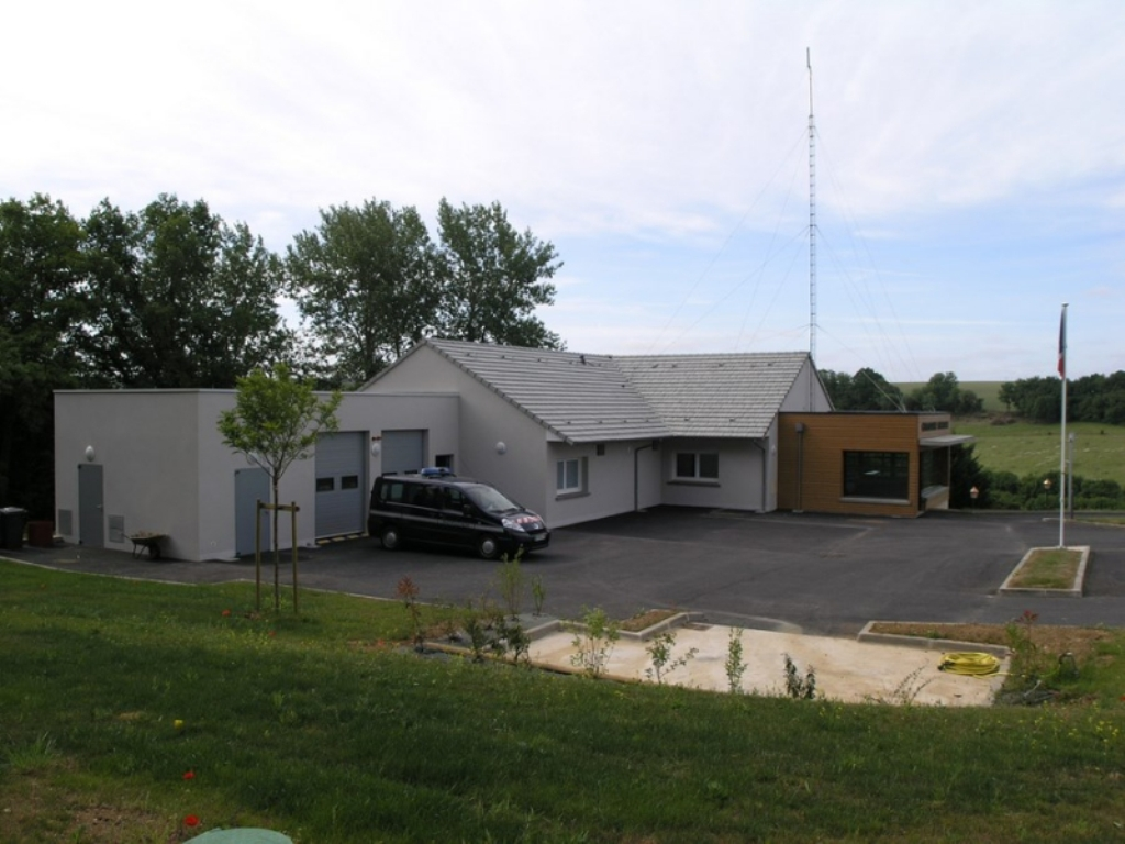 caserne-de-gendarmerie-de-longny-au-perche-61-083643